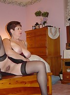 Fat Amateur MILF photo 6