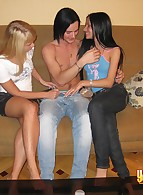 Young Sex Parties photo 7