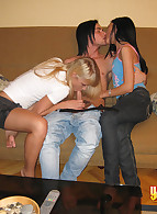 Young Sex Parties photo 9
