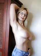 Bedfordshire Blonde photo 19